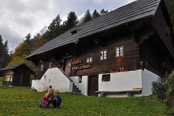 Miklavževa hiša