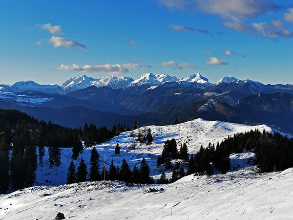 Menina planina pozimi