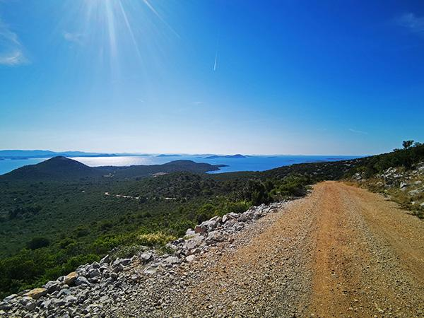 Makadamske ceste po otoku Pašman