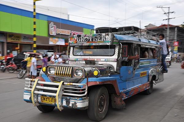 Yeepney, Filipini