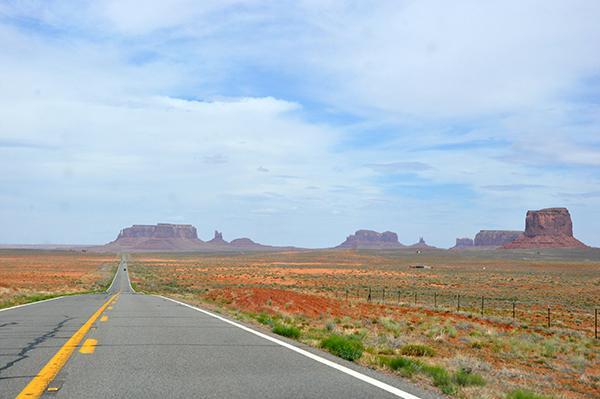 Neskončno dolge ravne ceste Arizone