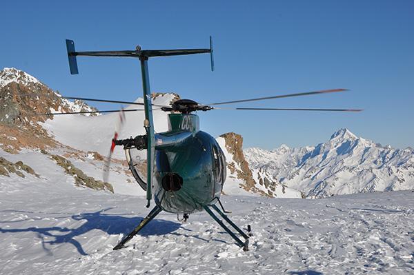 S helikopterjem na ledenik