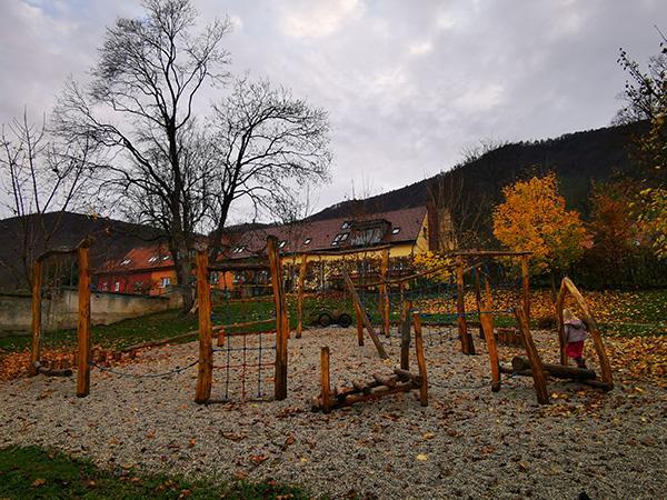Igrala, Slovenske Konjice