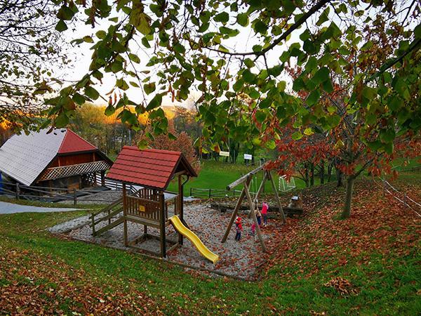 Igrala v vasi Kočno