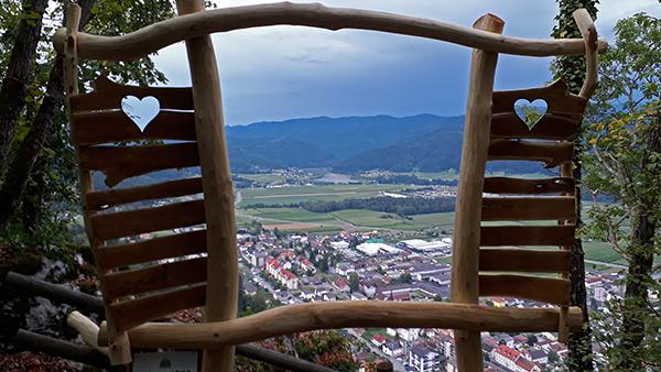 Razgledna točka na Starem gradu nad Radljami