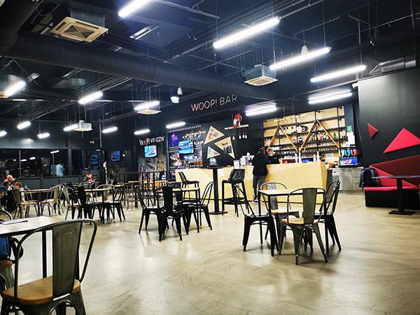 Restavracija v Trampolin parku WOOP