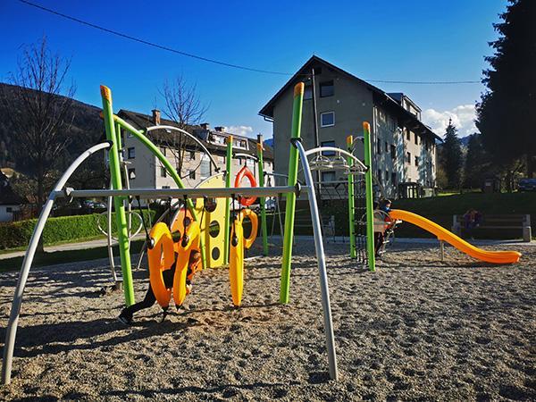 Igrala v Lovrecu na Pohorju