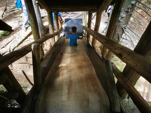 Kekčeva dežela, tobogan