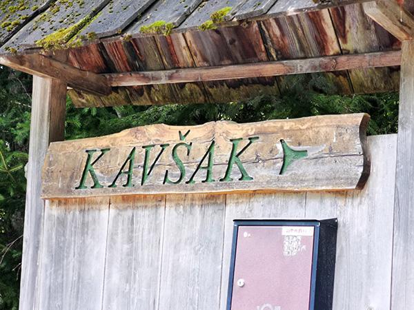 Smerokaz za kmetijo Kavšak